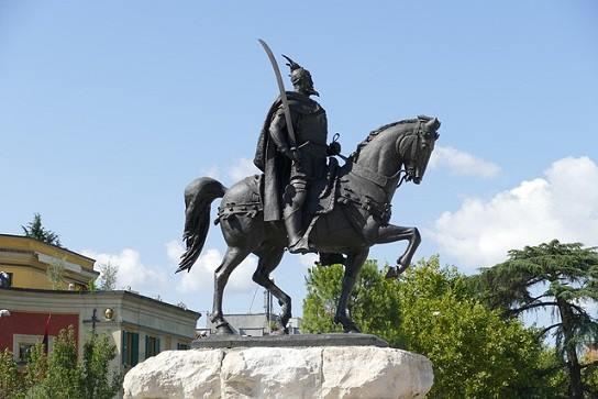Bandeira da Albânia: História e Significado 2