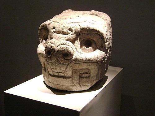 Quem descobriu a cultura de Chavín e como? 1