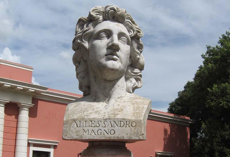 Alexandre, o Grande: biografia, territórios conquistados, personalidade 9