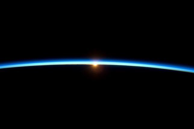Em qual camada da atmosfera a gravidade desaparece? 1