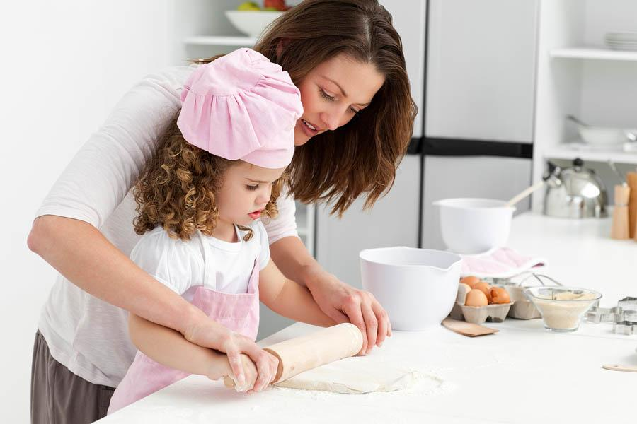 10 Deveres das Crianças em Casa de Ajudar 1