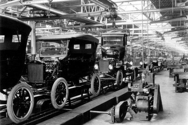 Capitalismo Industrial: Características, Vantagens e Desvantagens 1
