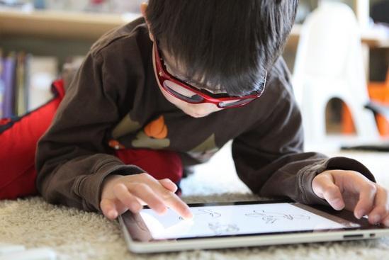 Nativos digitais: características e estudos de Marc Prensky 1