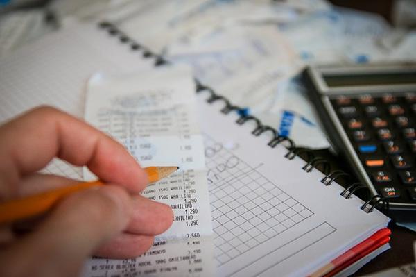 Por que os gastos são importantes para gerar renda? 1