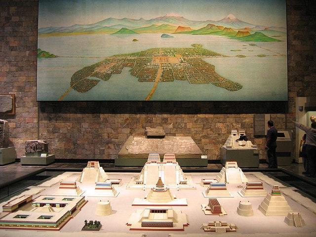 Em que século os espanhóis conquistaram o enochtitlan? 1