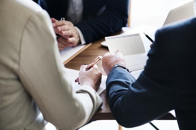 Teoria de Contingência nos Negócios: Princípios, Autores 1
