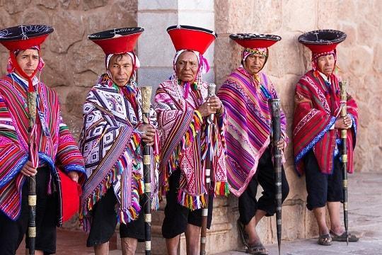 Roupa da Serra do Perú: roupas comuns 1