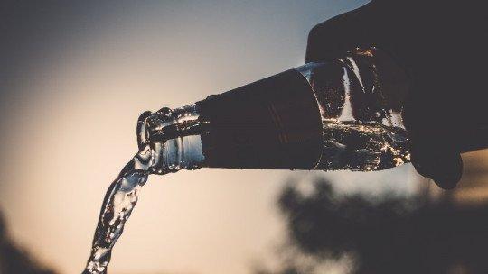 As 10 melhores marcas de água mineral do mercado 1