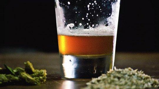 Combinar álcool e maconha tem esses efeitos no cérebro 1