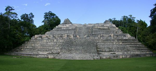 Quais eram os centros cerimoniais maias? 3