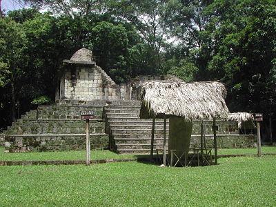 Quais eram os centros cerimoniais maias? 2
