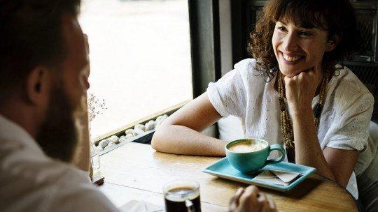 Como expressar sentimentos e se conectar com alguém, em 6 etapas 1