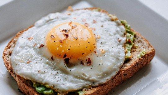 Com que frequência é saudável comer ovos? 15