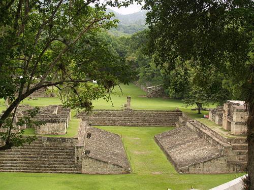 Quais eram os centros cerimoniais maias? 4