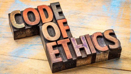 Decálogo do psicólogo: exigências éticas e profissionais de nossa profissão 1