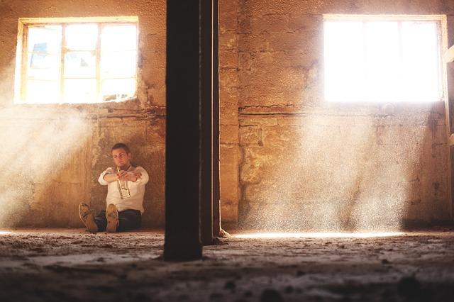 Como superar o desânimo e a tristeza: 7 maneiras eficazes 1