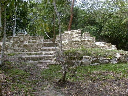 Quais eram os centros cerimoniais maias? 5