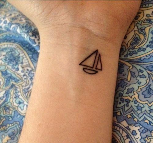 30 pequenas tatuagens para olhar na sua pele 4