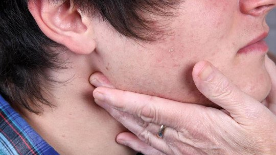 Glândulas inchadas: causas e sintomas de alerta 1