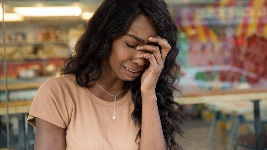 Por que muitas pessoas com esquizofrenia param de tomar medicamentos? 1