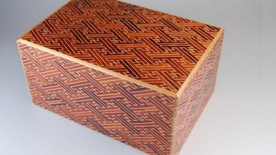 "A metáfora das caixas japonesas ""Himitsu-bako"" 1"