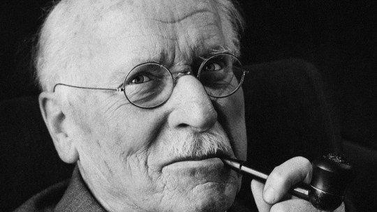 """O """"daimón"""" ou impulso criativo, um conceito de Carl Jung 1"""
