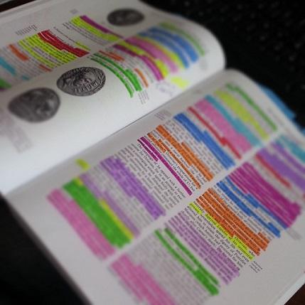 20 tipos de livros e suas características (com exemplos) 1