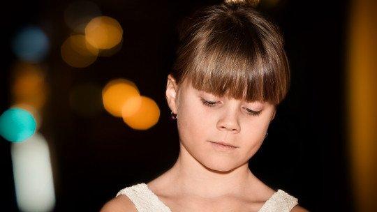 Ensinar habilidades de liderança e resolução de problemas a meninas da escola primária impede agressões 1