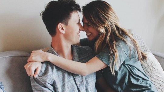 Pessoas que não sabem ser solteiras: 5 razões pelas quais sempre procuram um parceiro 1
