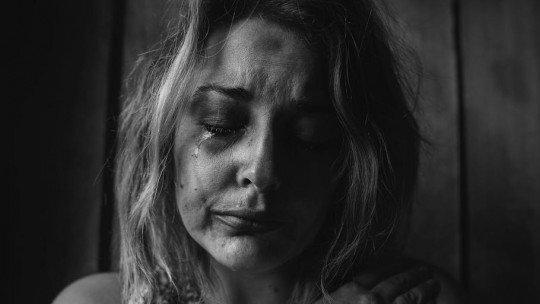 Por que uma mulher perdoa o homem que a maltrata? 1