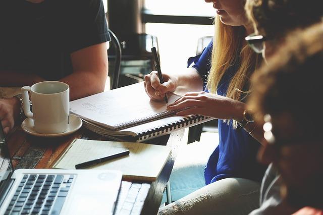 Relações humanas no trabalho: 7 dicas para construí-las 1