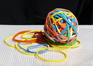 Como é sintetizado um material elástico? 1