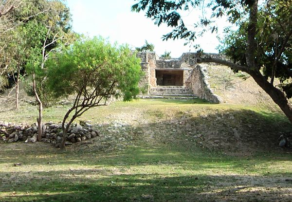 Quais eram os centros cerimoniais maias? 8