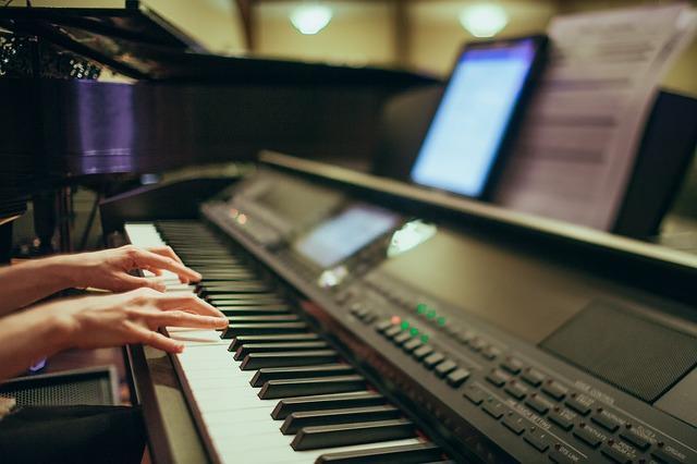 Musicoterapia: história, benefícios, tipos, atividades 4