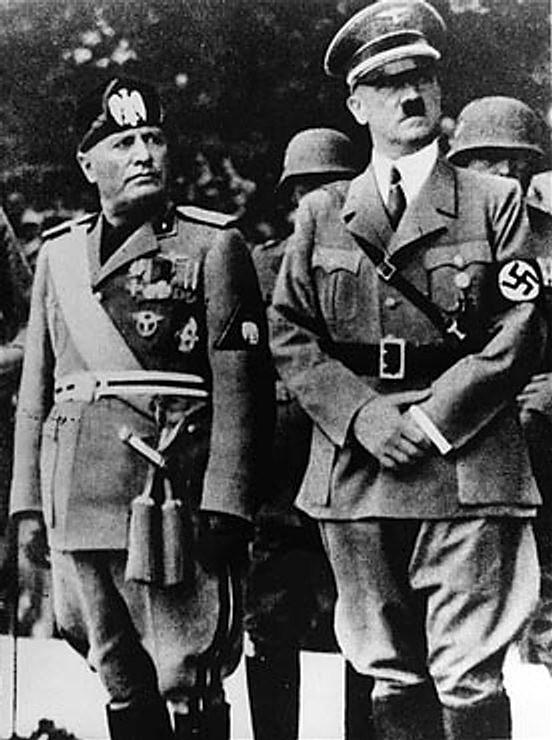 Doutrinas totalitárias: ideologia e características 4