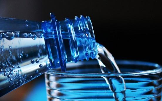 Quantas garrafas de água para beber por dia? 2