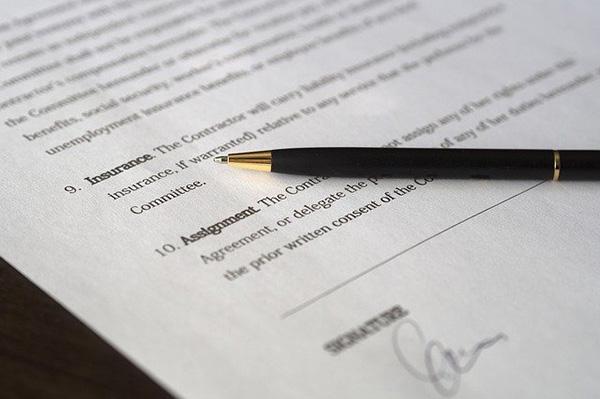 Contrato comutativo: características e exemplo