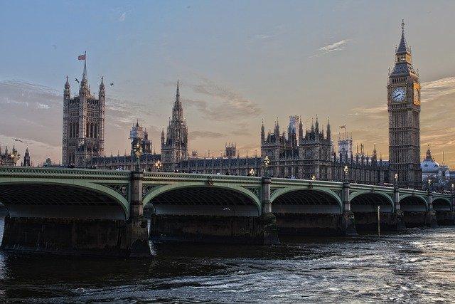 Cultura da Inglaterra: tradição, costumes, gastronomia, música